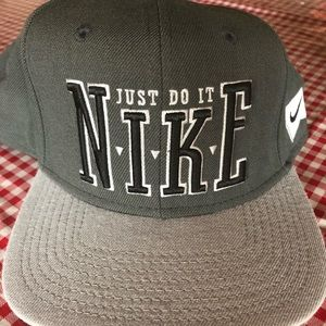 Men's Baseball cap.